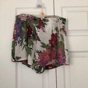 Show me your mumu shorts size medium